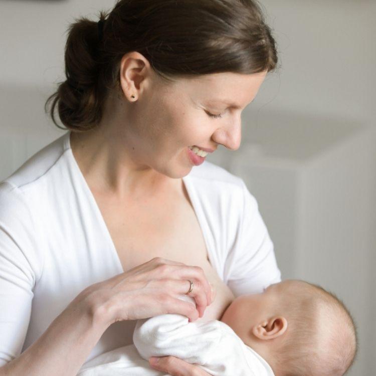 Раннє прикладання дитини до грудей
