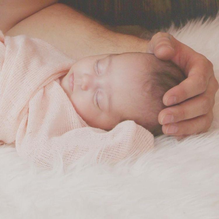 Сон немовляти